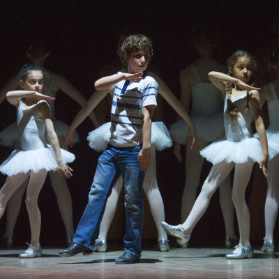 Billy Elliot, ballet girls tap dance