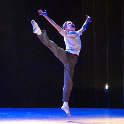 Tade Biesinger (Billy Elliot) photo by Alastair Muir